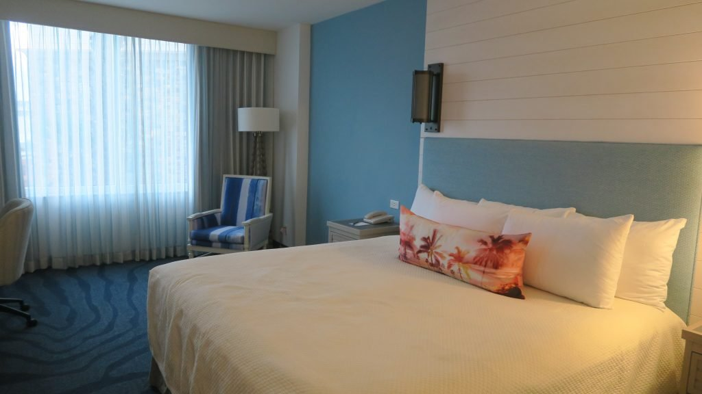 best hotel at universal studios orlando sapphire falls review