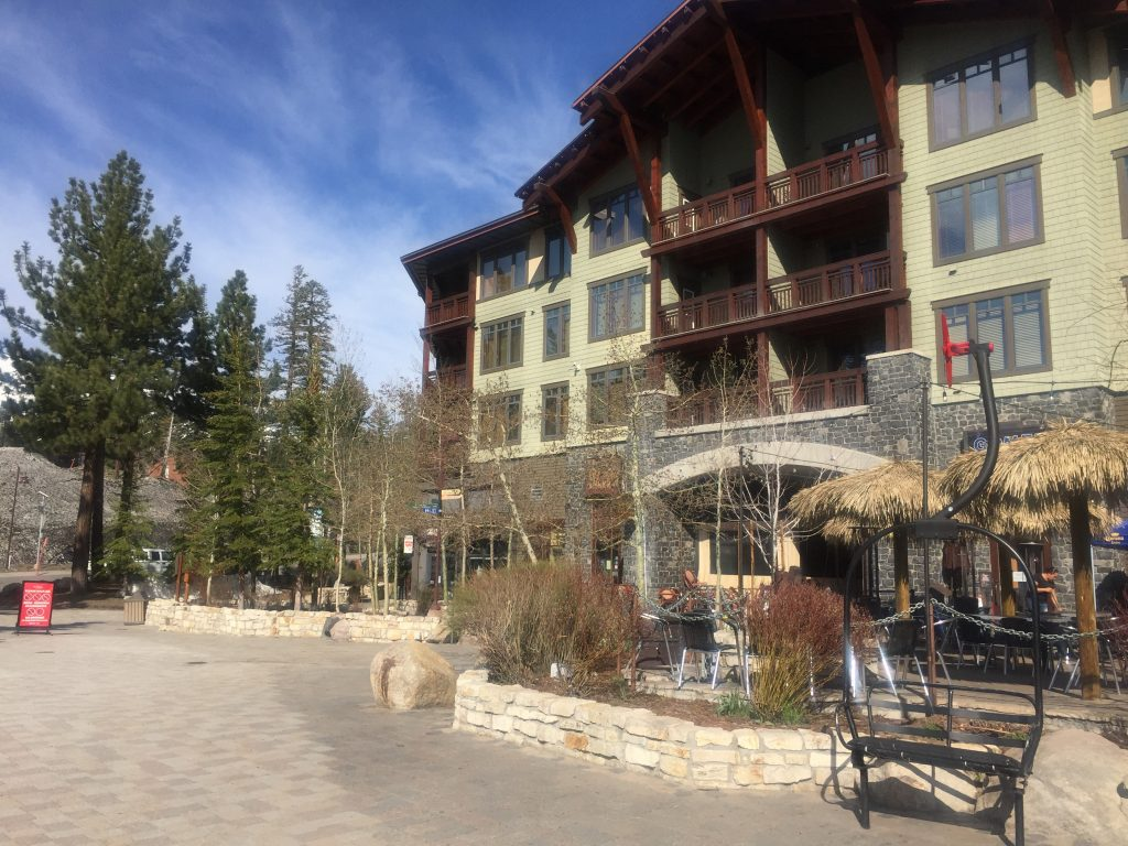 village lodge mammoth review