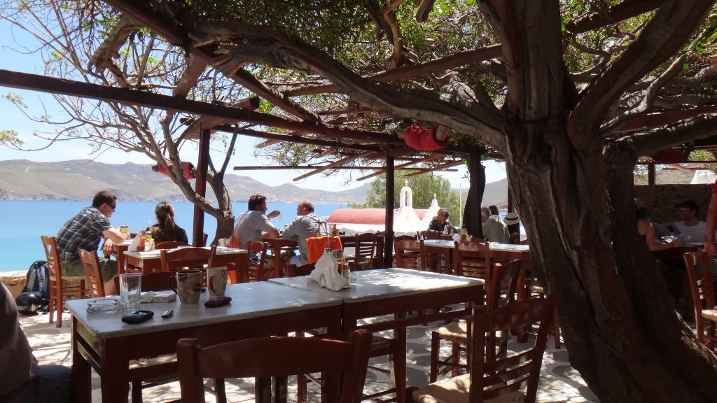 budget restaurants mykonos