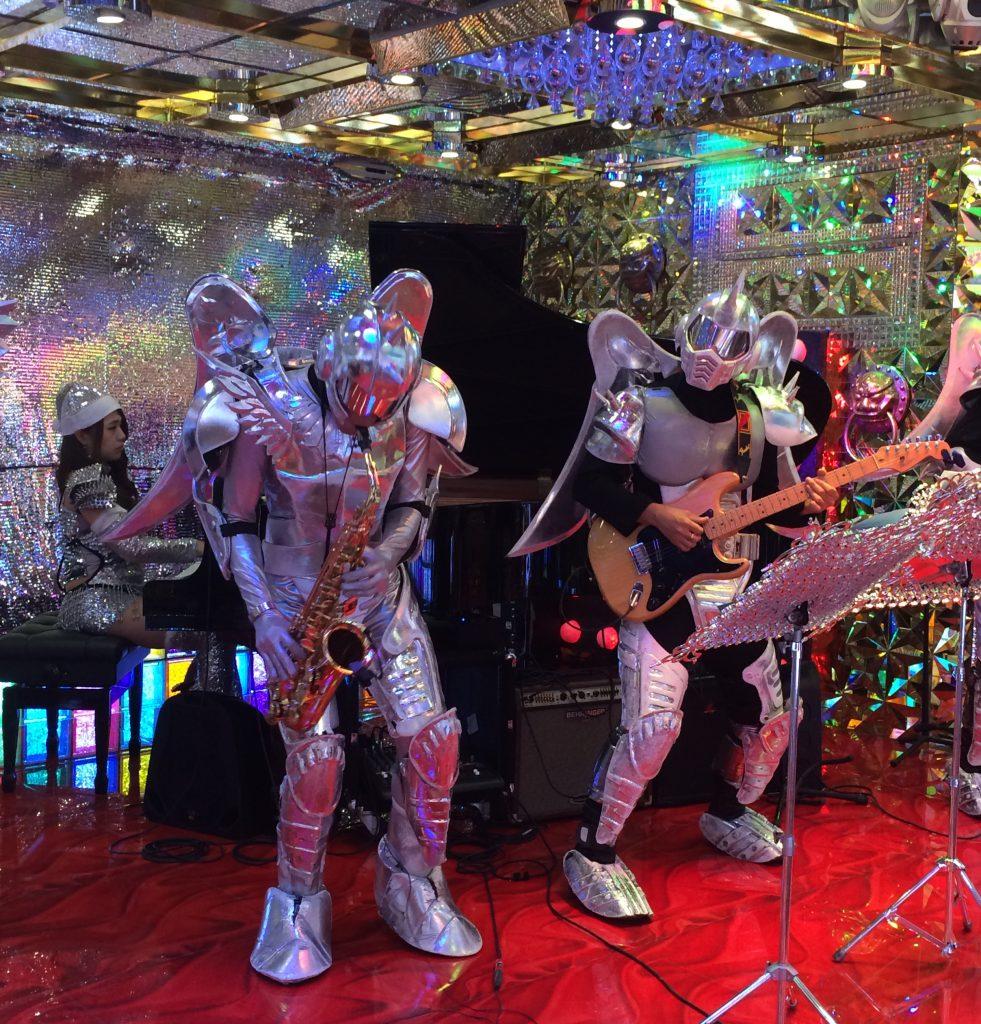 meet a robot restaurant tokyo kyoto osaka itinerary