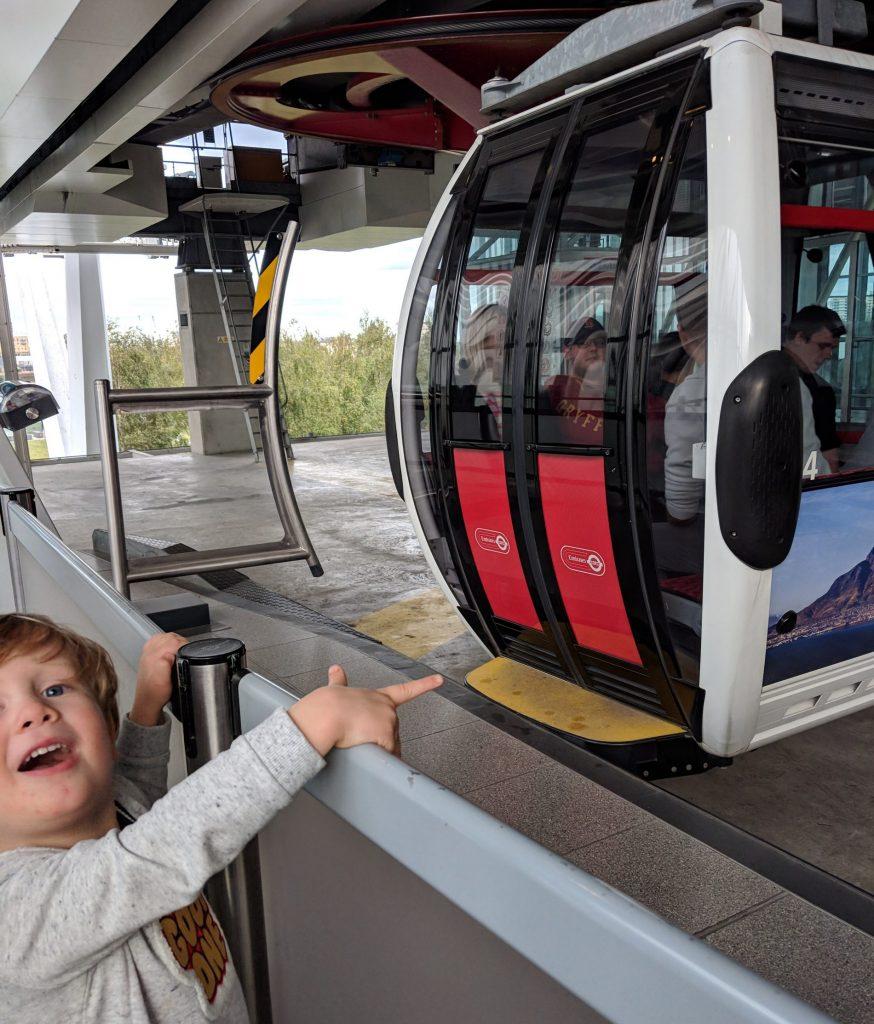 emirates cable car london river thames